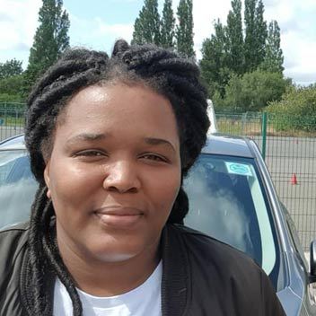 Tshidi Took driving lessons in Wolverhampton with Rio